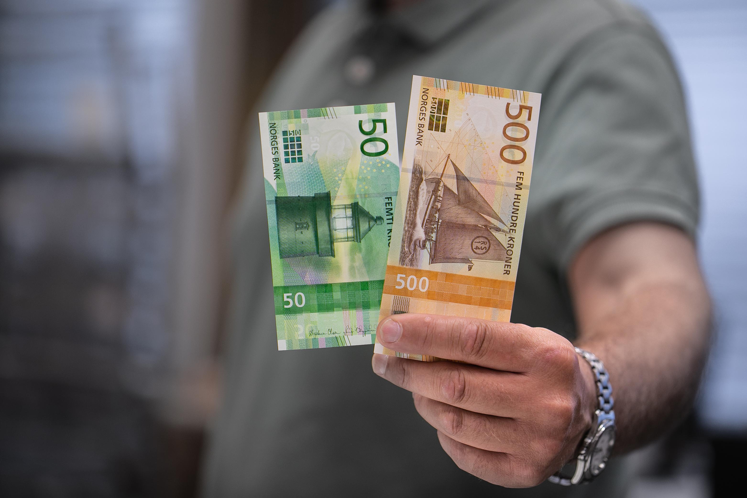 De nye sedlene kom 18. oktober i fjor. Foto: Norges Bank